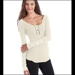 Bnwt free people thermal with lace arms size small